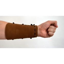 Protecteur d'avant-bras médiéval lacé